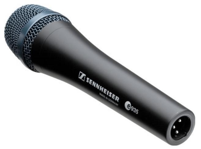 Sennheiser e935 microphone