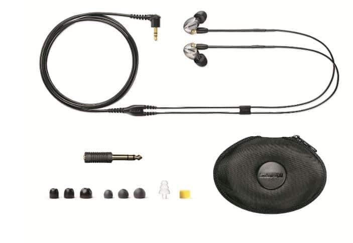 Shure se425 v sound isolating earphones