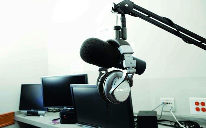 Shure SM7B in home studio