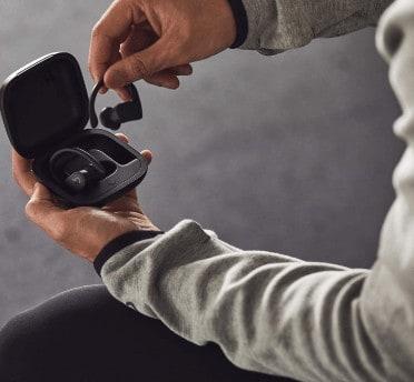Powerbeats Pro Wireless Earphones Charging Outlet