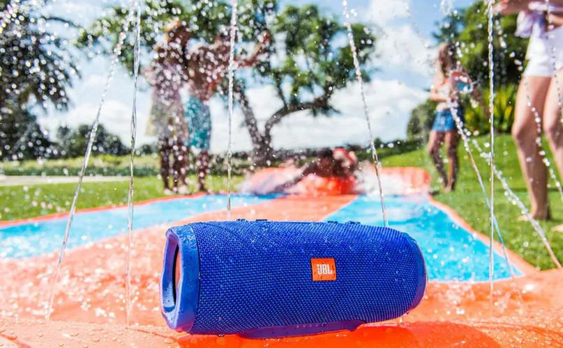JBL Charge 3 waterproof feature
